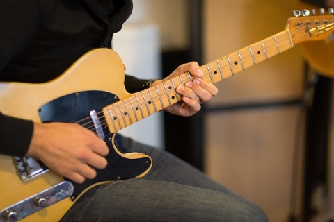 ソリッドギター